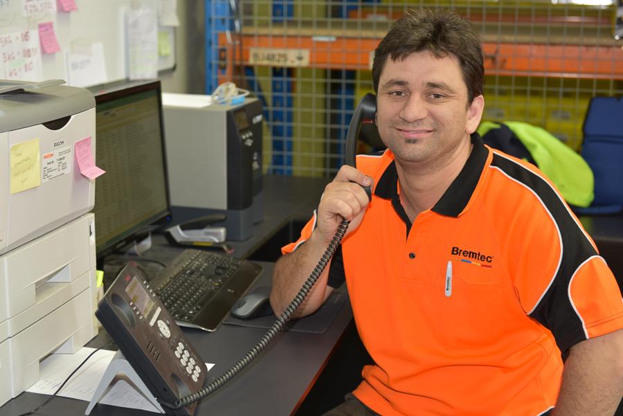Warehouse staff - Sam-web